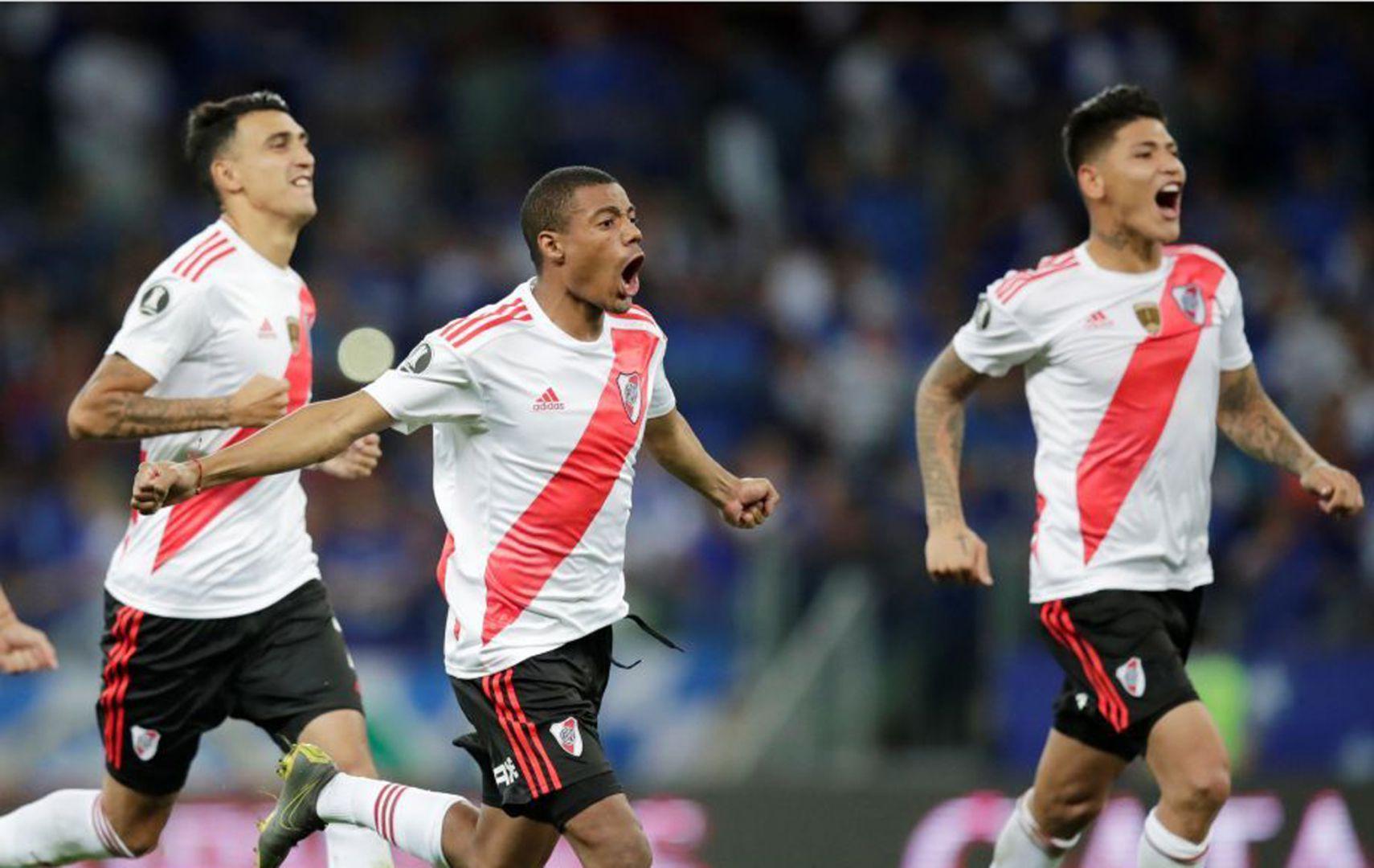 EN VIVO: Con dos goles de penal, River le gana Cerro Porteño y viaja tranquilo a Paraguay