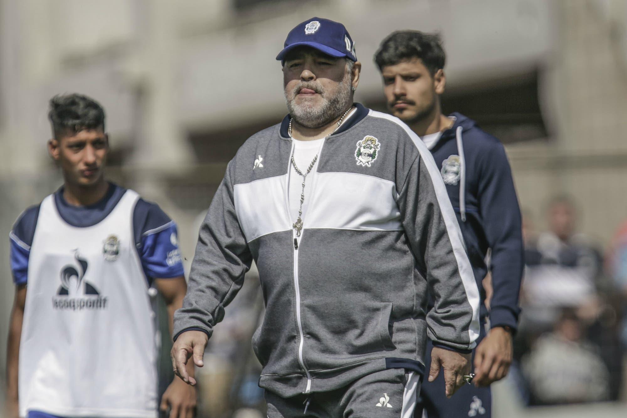 Sin Van Basten, Maradona apuesta por la mesura en un Gimnasia al que no cree inferior