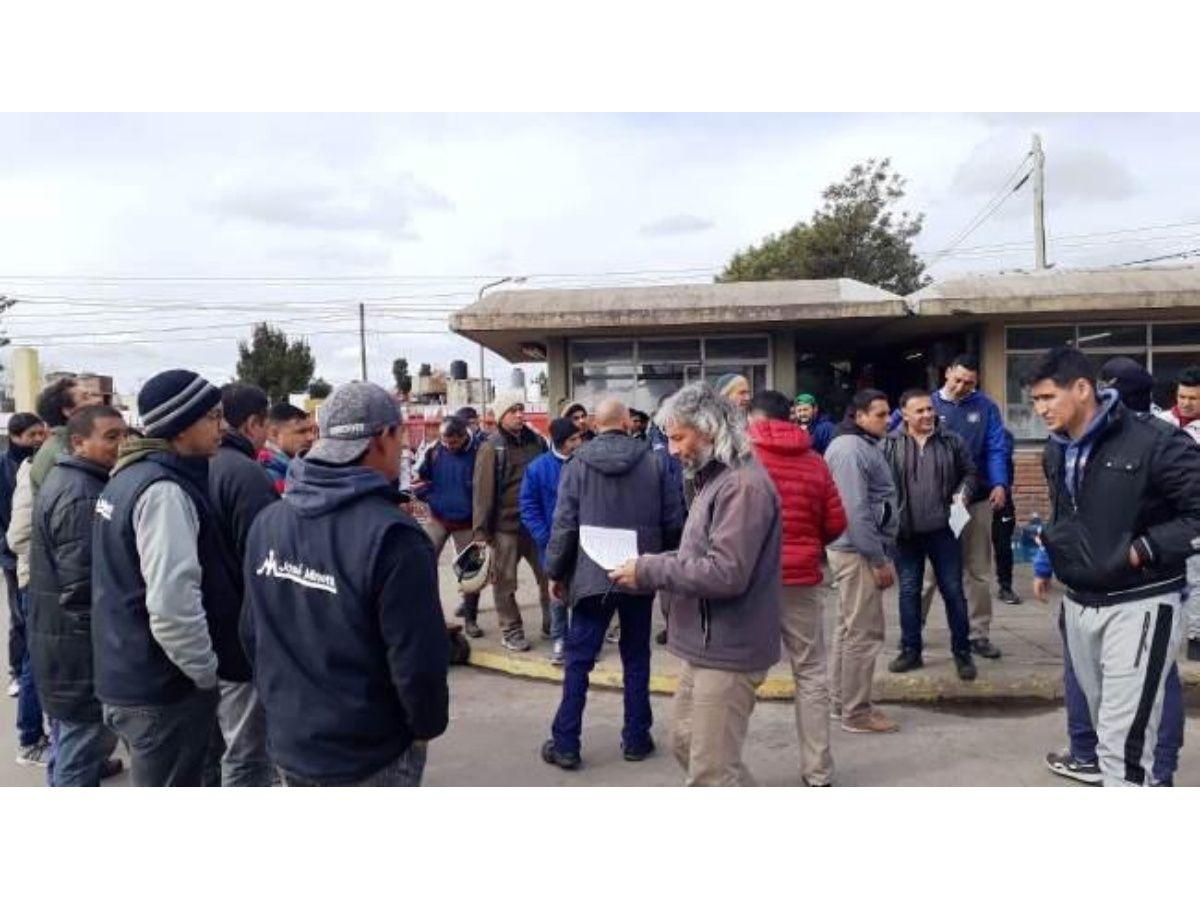 Molinos Minetti adeuda tres meses de sueldo y despidió a 100 operarios