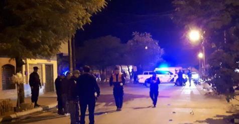 Un hombre llegó con un tiro en la cabeza a su casa y ahora lucha por sobrevivir