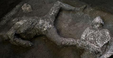 Descubren los restos intactos de dos hombres que murieron por la erupción del Vesubio hace 2.000 años