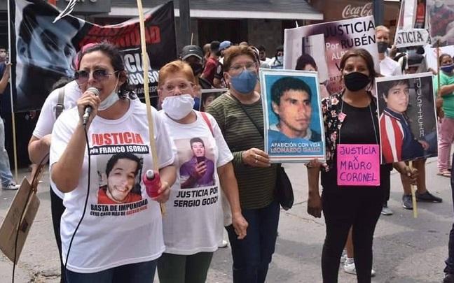A tres meses de la muerte de Franco Isorni, familiares de víctimas marchan contra la impunidad