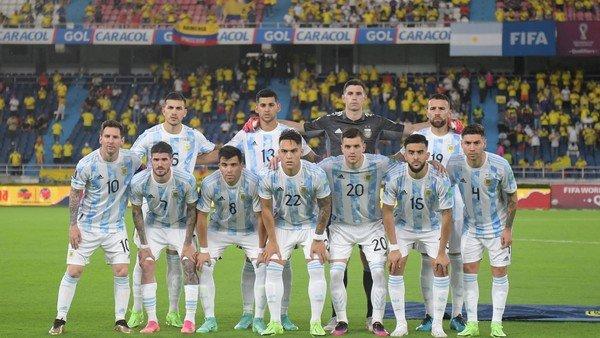 la-lista-de-la-seleccion-argentina-para-jugar-la-copa-america:-uno-por-uno,-los-28-convocados