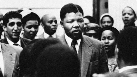 el-12-de-junio-de-1964-condenaron-a-nelson-mandela-a-cadena-perpetua