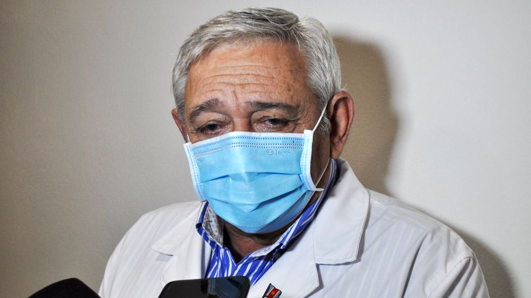 """dr.-monti:-""""cuatro-de-cada-10-santiaguenos-pueden-estar-infectados,-es-el-pico-mas-alto-de-la-pandemia"""""""