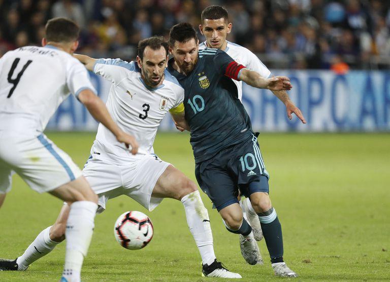 argentina-–-uruguay,-por-la-copa-america.-lionel-messi:-goles,-eliminaciones-y-aquellas-veces-en-que-fue-reemplazado-frente-a-la-celeste