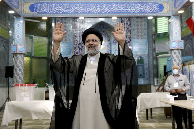 iran:-el-conservador-ebrahim-raisi-fue-elegido-como-presidente-con-record-de-abstencion